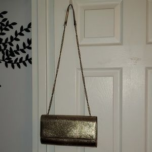 Gold Chain Strap Shoulder Bag